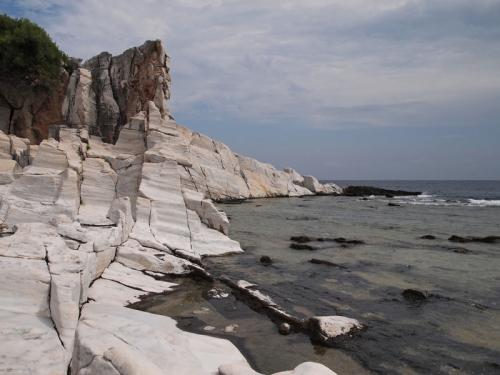 Shelving stone